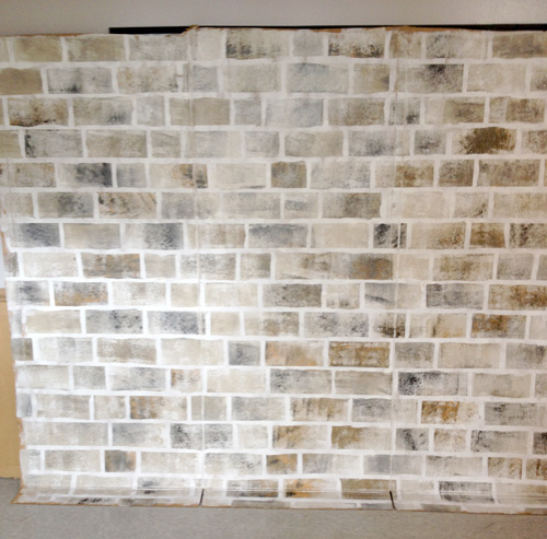 harry-potter-DIY-photo-booth-how-to-paint-faux-brick5.jpg